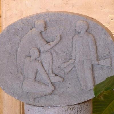 MEDAILLON PIERRE CALCAIRE / bas-relief