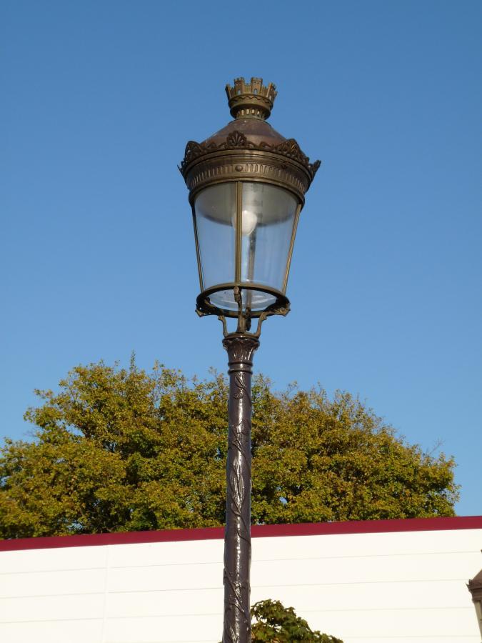 reverbere lampadaire en fonte / antique Paris street lamps