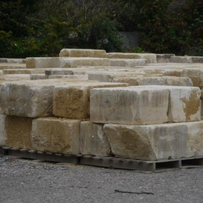 pierre de taille / antique reclaimed French limestone ashlar blocks