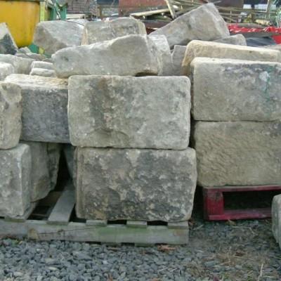 bullnosed stone quoins