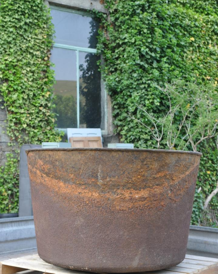 large 19th century cast iron vessel / vat / boiler