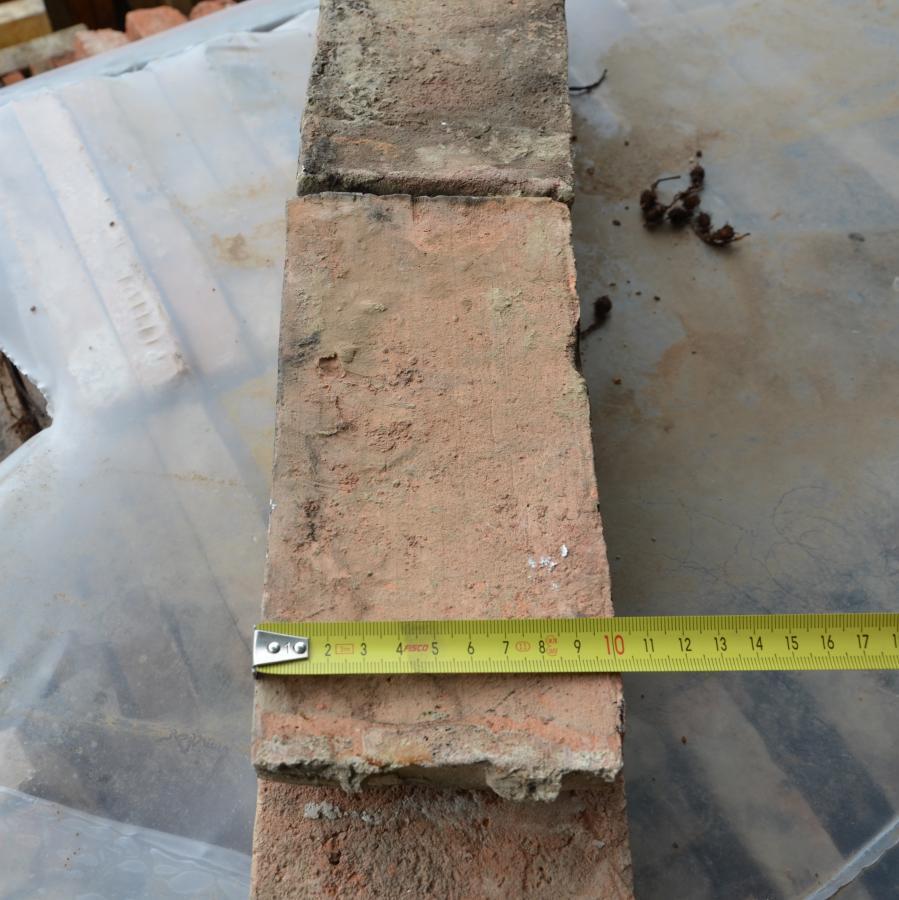 brique ancienne de recuperation type St Jean / reclaimed bricks