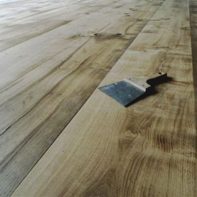 plancher chene ancien - re-milled antique French oak flooring