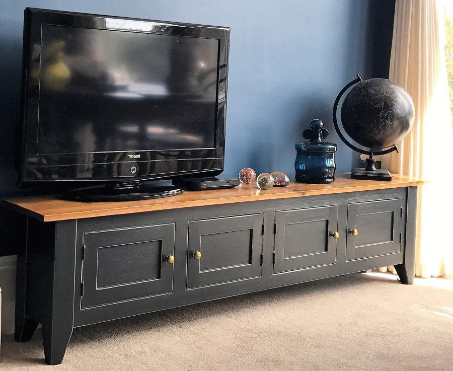 4 Door Media unit/Bench