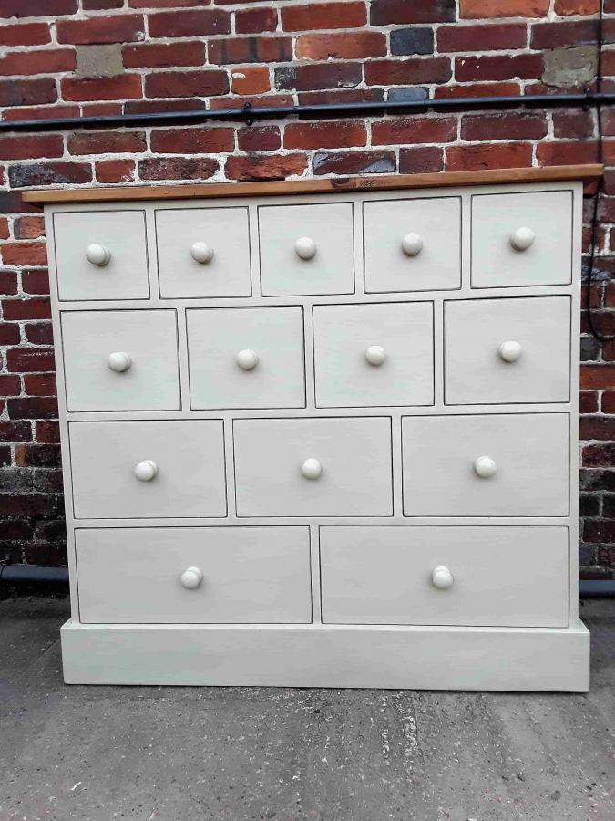 14 Bank of Drawers