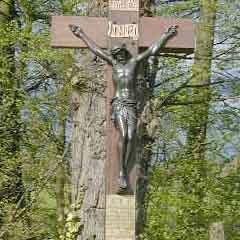 Village war memorial crucifix stolen