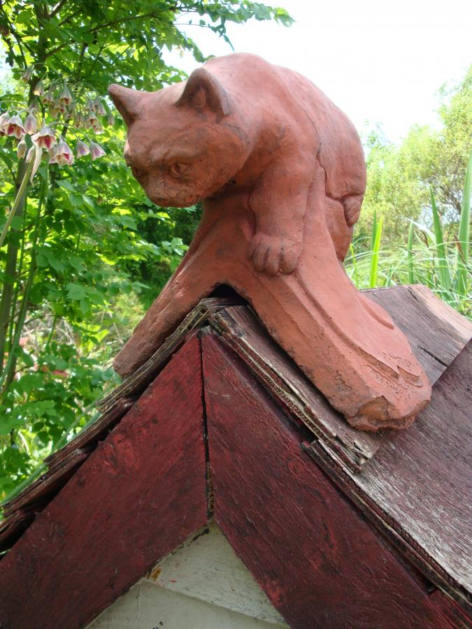 New Replica Or Reproduction Cat Roof Finial Decorative