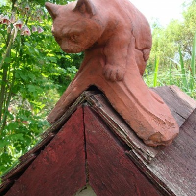 Cat roof finial decorative angled or half round ridge tile