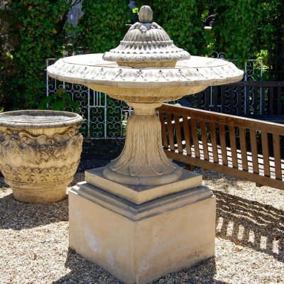 Acanthus Leaf Fountain on Plinth