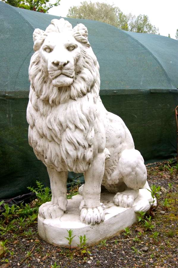 Pair Of Large Lion Statues V Amp V Reclamation