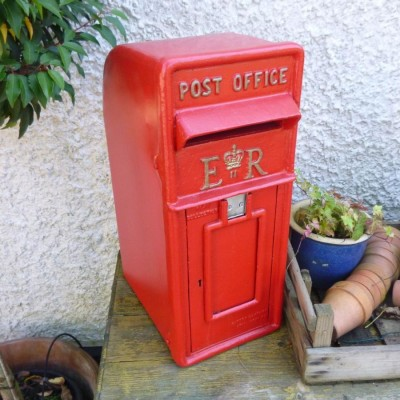 vintage-style-gr-or-er-post-office-letter-box-1.jpg