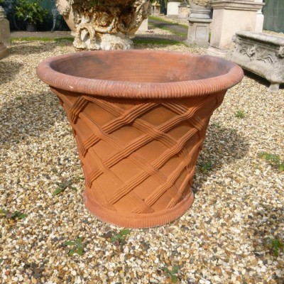 Tapered Weave Basket Urn