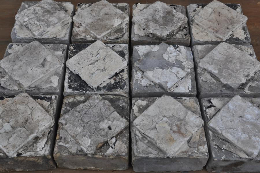 antique Decorative terracotta bricks - buff diamonds