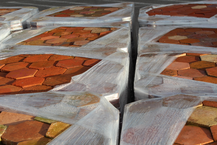 "Terre cuite ""hexagone"" - Antique hexagon terracotta files"