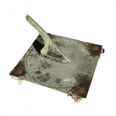 A Georgian square bronze sundial