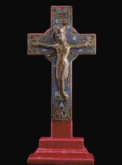 1509230350-Above-Crucifix-en-cuivre-champlevev-28-3cm-high-estimate-12-000-18-000-euros--4.jpg