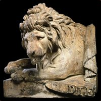 1509230352-Coade-stone-royal-armorial-lion-impressed-COADE-LONDON-1820-Photo-Salander-Decorative-Arts-1.jpg