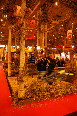 1509230362-Above-MASCo-Architectural-s-massive-display-on-their-stand-at-Grand-Designs-Live-1.jpg