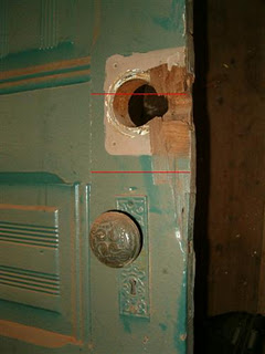 1509230365-Above-Door-painted-with-lead-based-paint-1.jpg