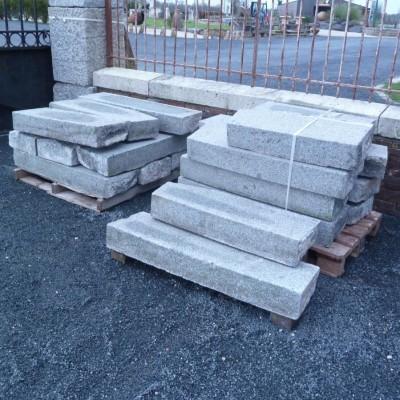 marche en granit - antique French granite steps