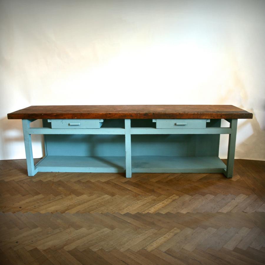 1509230818-Vintage-oak-counter-top-in-duck-egg-blue-Architectural-Forum-4.jpg