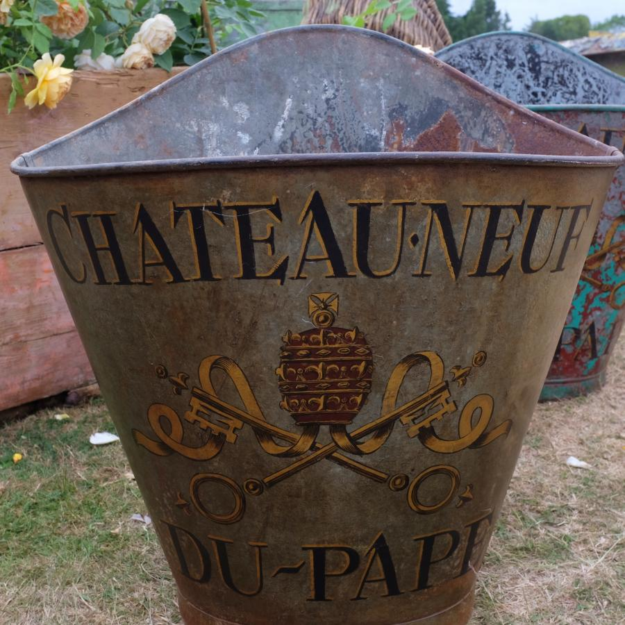 1509230835-French-antique-hod-from-Chris-Holmes-Antiques-Reclaimed-Woman-4.jpg