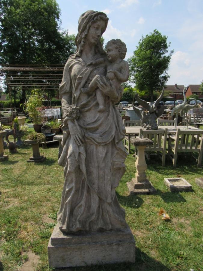 1509230836-Compo-Madonna-and-Child-1-100-photo-Gaze-2.jpg