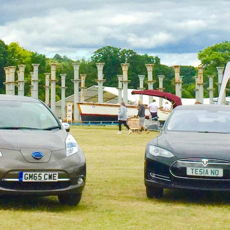 1509230838-Our-Nissan-Leaf-and-a-Tesla-P85-at-Salvo-Fair-with-an-electric-Thames-launch-photo-Salvo-1.jpg