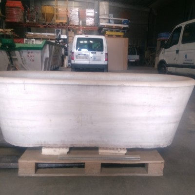 Large and heavy ancient Carrara marble bathtub
