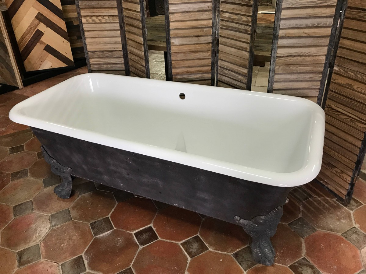 For Sale Antique cast iron claw-foot bathtub- SalvoWEB France