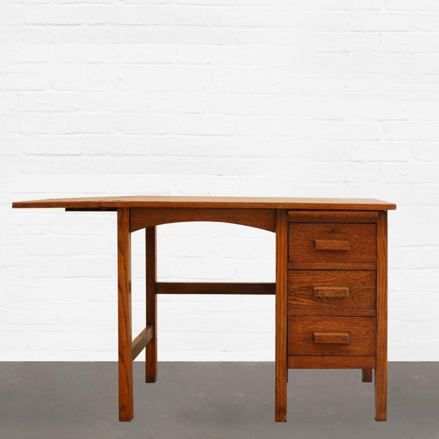 1512660729Antique-oak-desk.jpg