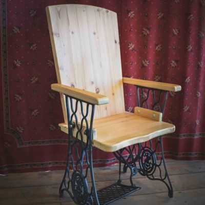 """Seamstress Seat"" Singer-Base Chair 2nd Edition"