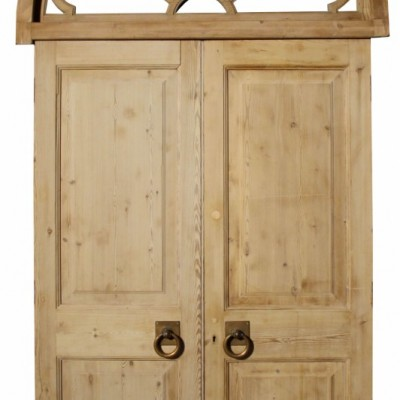 Antique Entranceway / Double Doors With Fanlight