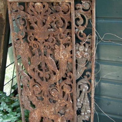 Cast iron screens
