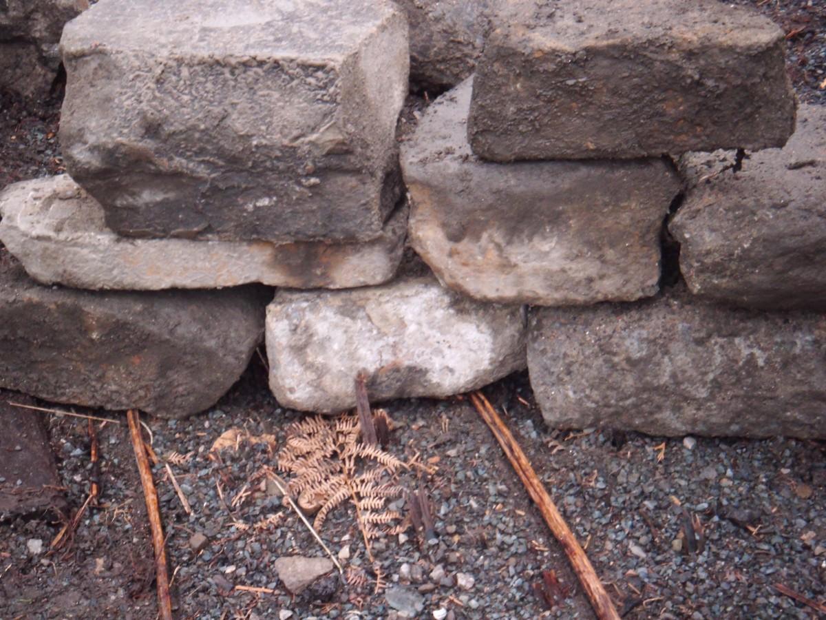 Random stone reclaimed building stone