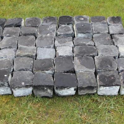 Paves basalte - Reclaimed French cobblestones in basalt
