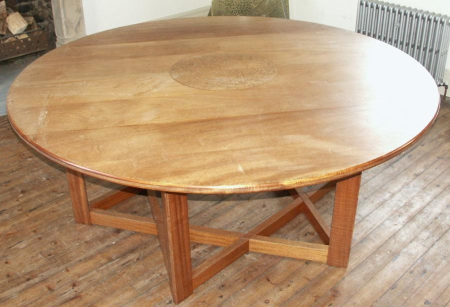 1516791635Round Dining table .jpg