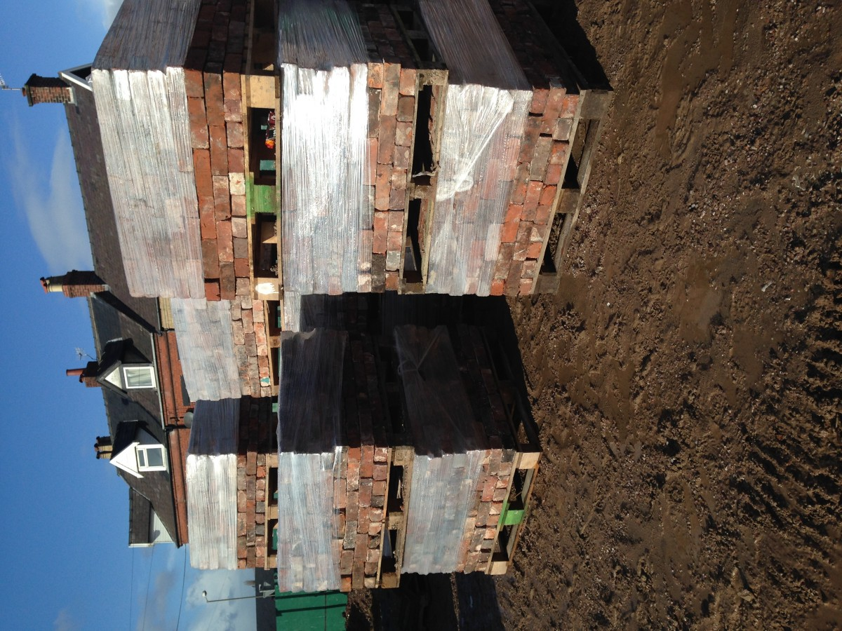 150,000 secondhand demolition bricks - cleaned and palleted