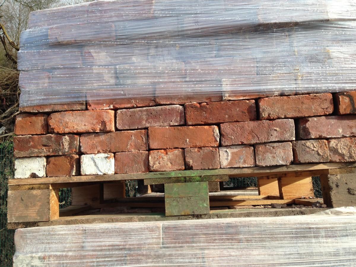 150,000 bricks for sale all from same demolition