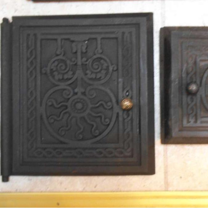 Top inner door. Abstract pattern. LHS