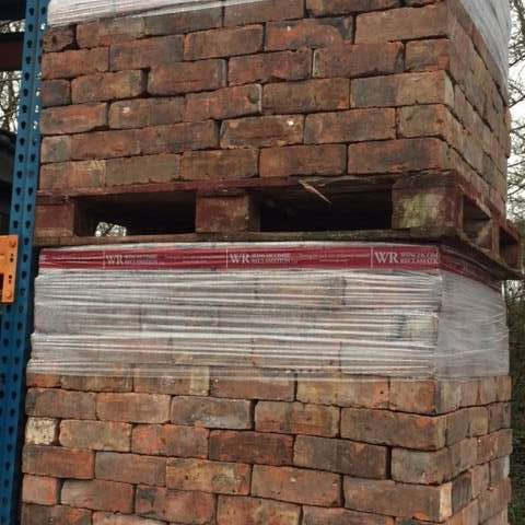 Large batch of reclaimed bricks