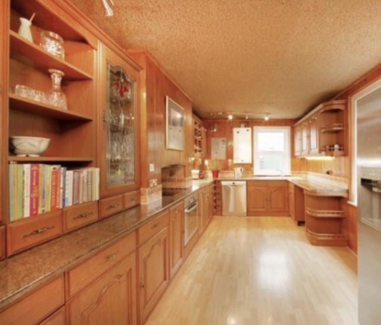 1521278051Old kitchen.jpg