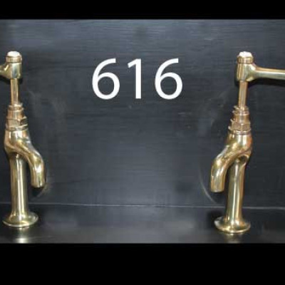 Tap 616, A pair of Shanks pillar lever taps