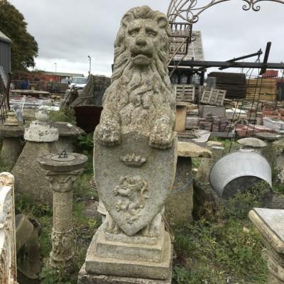 Composition Lions on Plinths