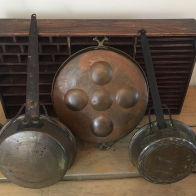 Set of 5 Copper / Brass Kitchen Hanging Pans