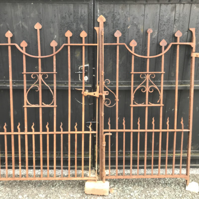 Wrought iron arts and crafts gates