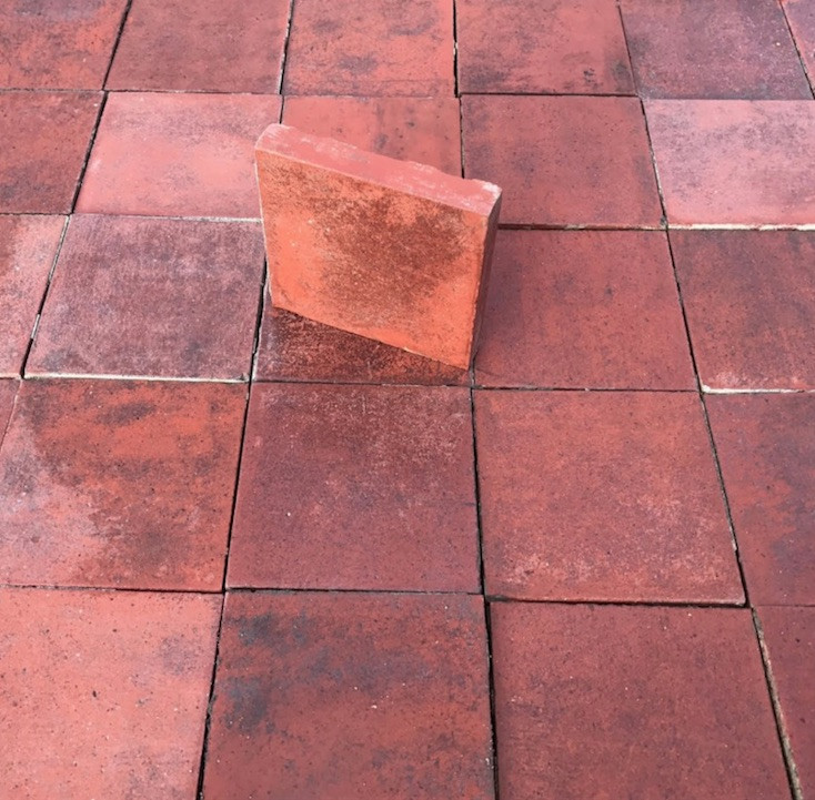 1525960584Victorian Quarry tiles.jpg