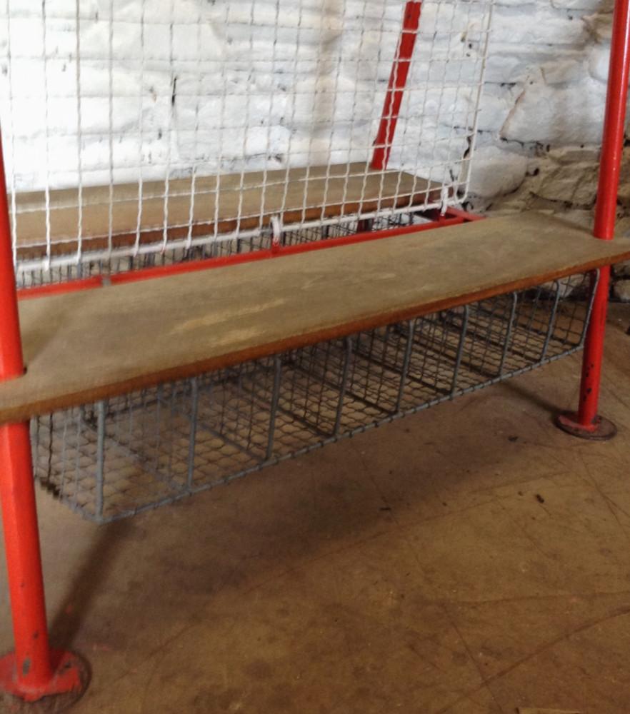 Locker room benches hot sale aluminum gym waiting locker room