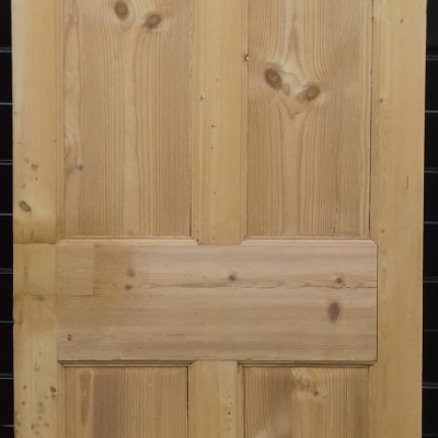 Georgian 4 panel pine door.