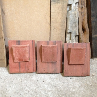 Vented Roof Tile Concrete HoodedRussel Grampion Breck land Black Tile 071
